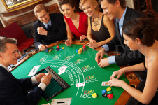 Why players at online casinos earn more